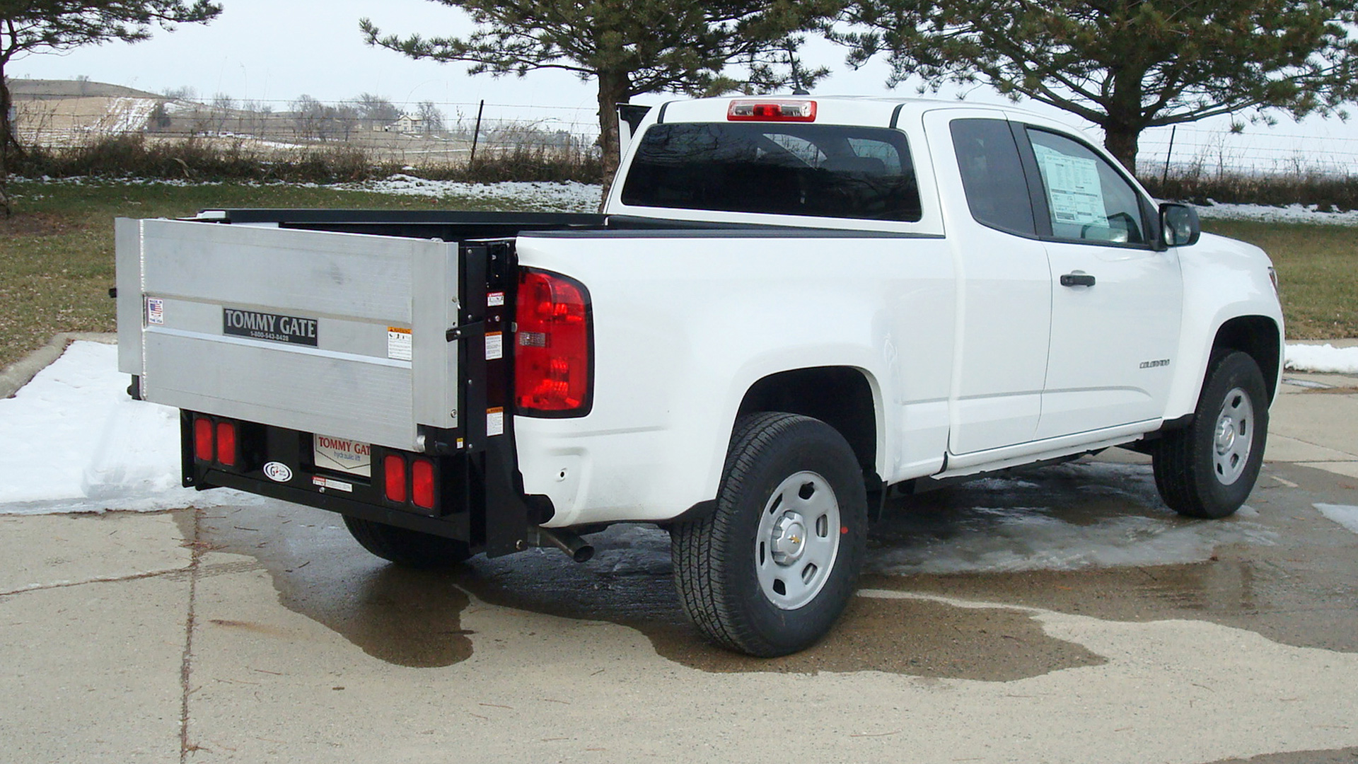 Service Body Tailgate : Tommy gate g series