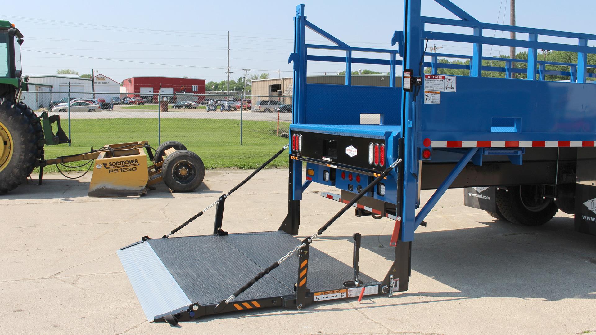 Tommy Gate Railgate Series Bi Fold