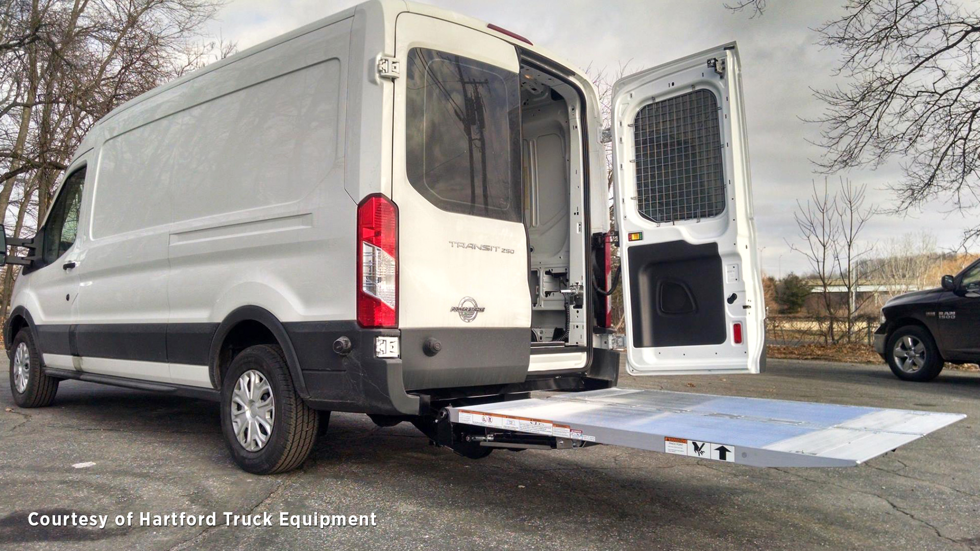 Tommy Gate Cantilever Series 2003 Chevy Express Van 3500 Wiring Liftgate In Up Position On Nissan Nv Commercial