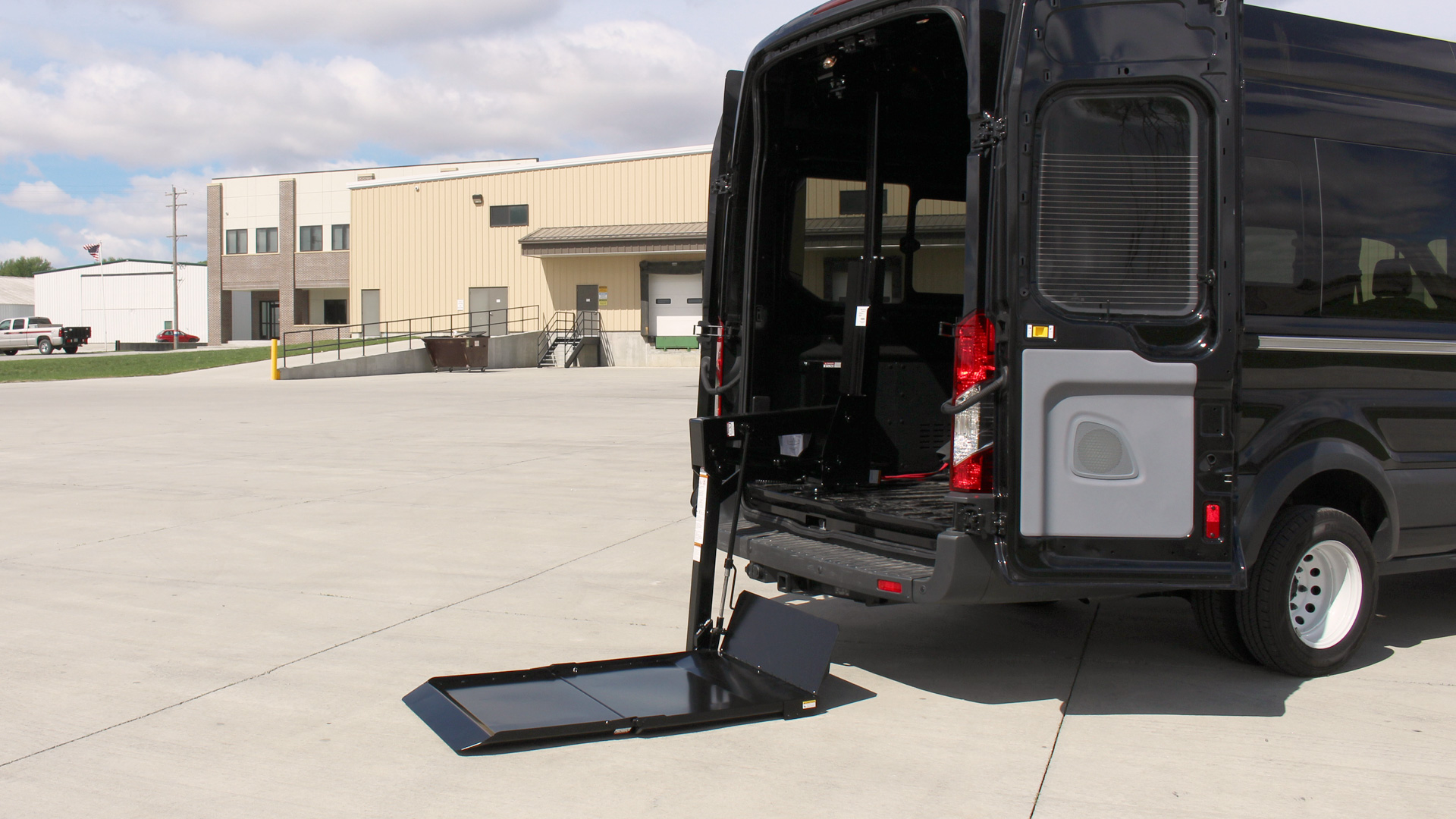 2014 Ram Promaster Cargo Van 3500 High Roof >> Tommy Gate - 650 Series